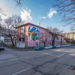 Български творци изрисуваха столично училище и отправиха послание към децата